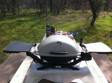 Dla grillujących podróżników, czyli przenośny Grill gazowy Weber Q 2200 STAND