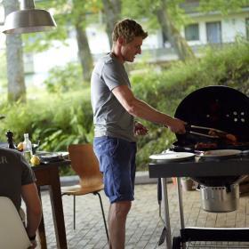 Łatwiejsze grillowanie na brykiecie, czyli Grill węglowy Weber Performer Original
