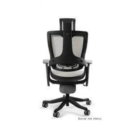 65% pracowników niezadowolonych z krzeseł biurowych