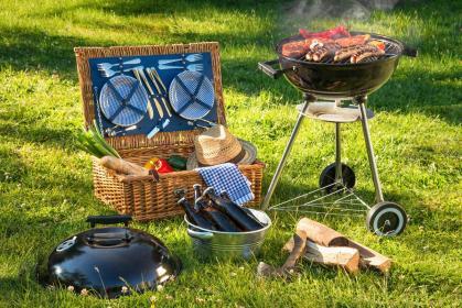 Jak grillować na grillu z pokrywą? Najważniejsze zasady