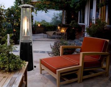 Promienniki i parasole grzewcze na drewnianym tarasie - bezpieczeństwo i komfort