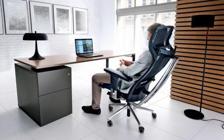 Jak wybrać ergonomiczny fotel biurowy?