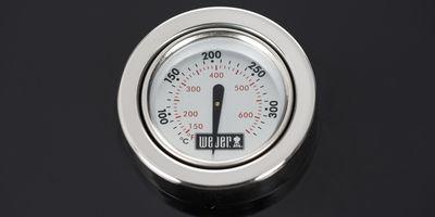 Termometr w pokrywie pozwala na bieżąco kontrolować temperaturę.